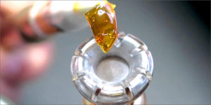 buy shatter online and how to use with a rig
